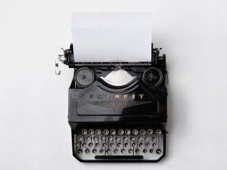 História Intelectual - Máquina de escrver