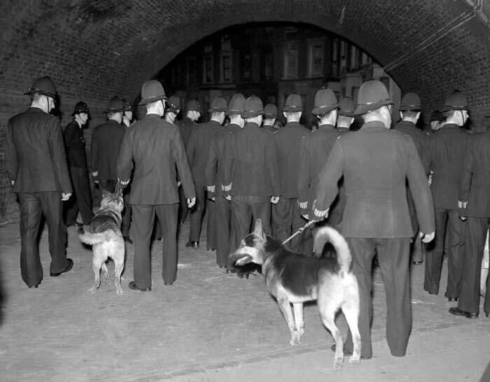 Um lugar chamado Notting Hill: os distúrbios raciais de 1958 1