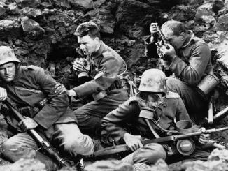 """Cena do filme """"Nada de novo no front"""", de 1930."""