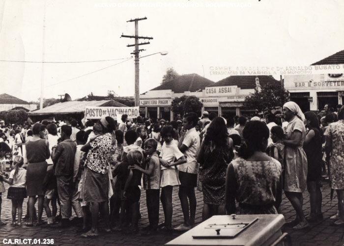 Campanha de vacinação contra varíola em Cambé (PR) – 1969 – Acervo DAD/COC