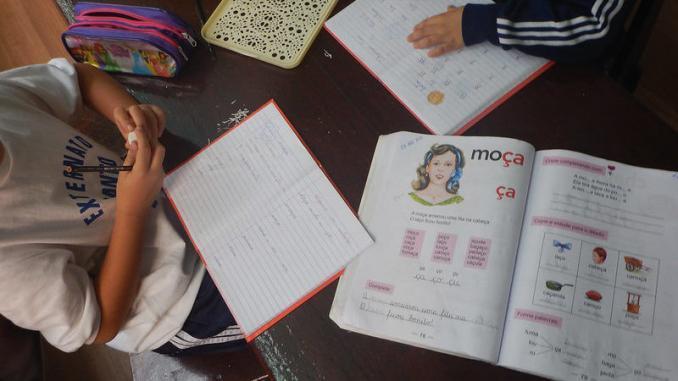 Método de alfabetização é questionado por pesquisadores. Foto: MARIA LAURA SARAIVA / REVISTA ESQUINAS/FLICKR.