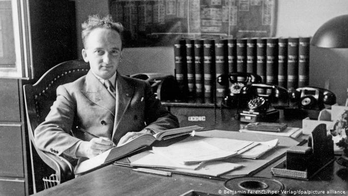 Procurador-chefe de um dos julgamentos de Nuremberg é vacinado contra a Covid-19 1