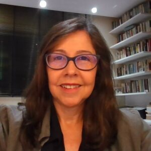 Cláudia M.R. Viscardi